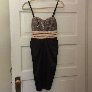 Dresses & Skirts - Black/Gold SemiFormal/Homecoming Dress w/ Pockets!